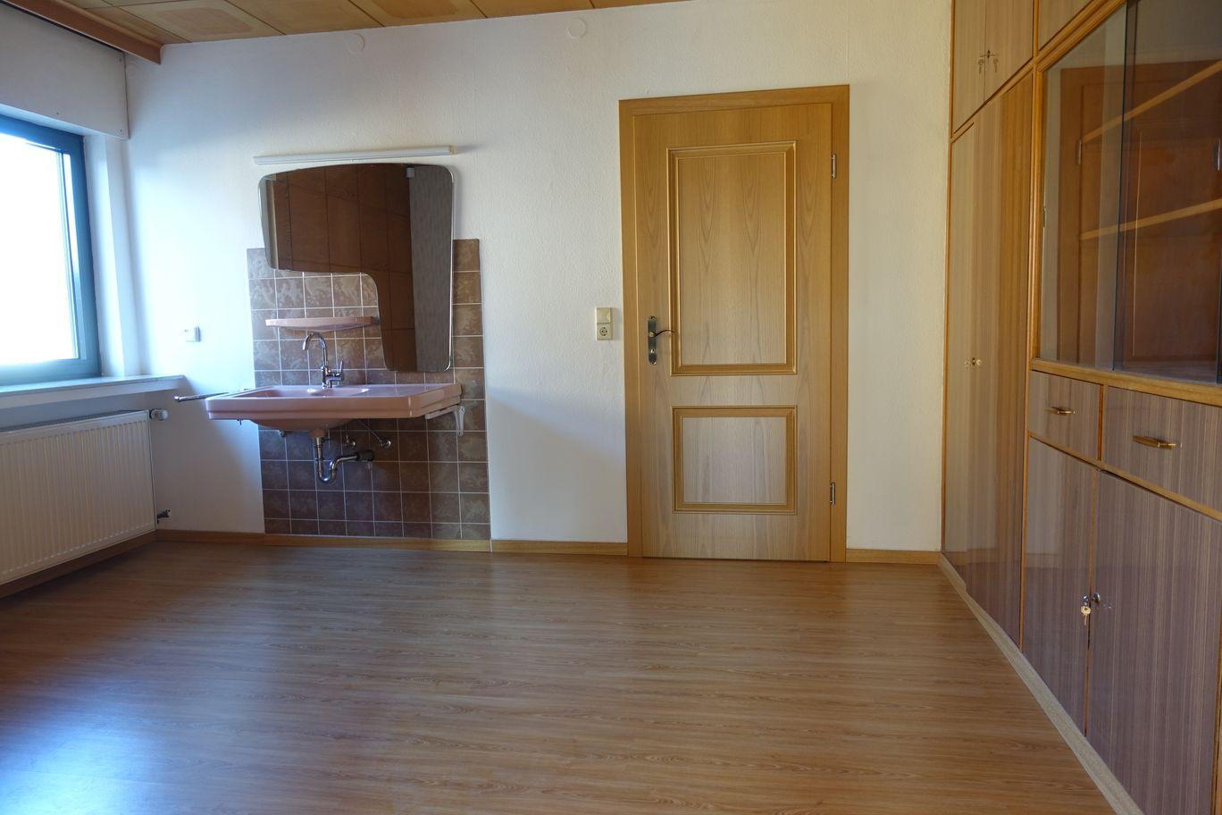 Zimmer 5 oben (mit Küchen Anschl.))
