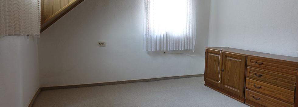 1. Zimmer oben