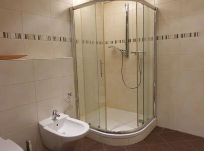 6072 Bad mit Dusche
