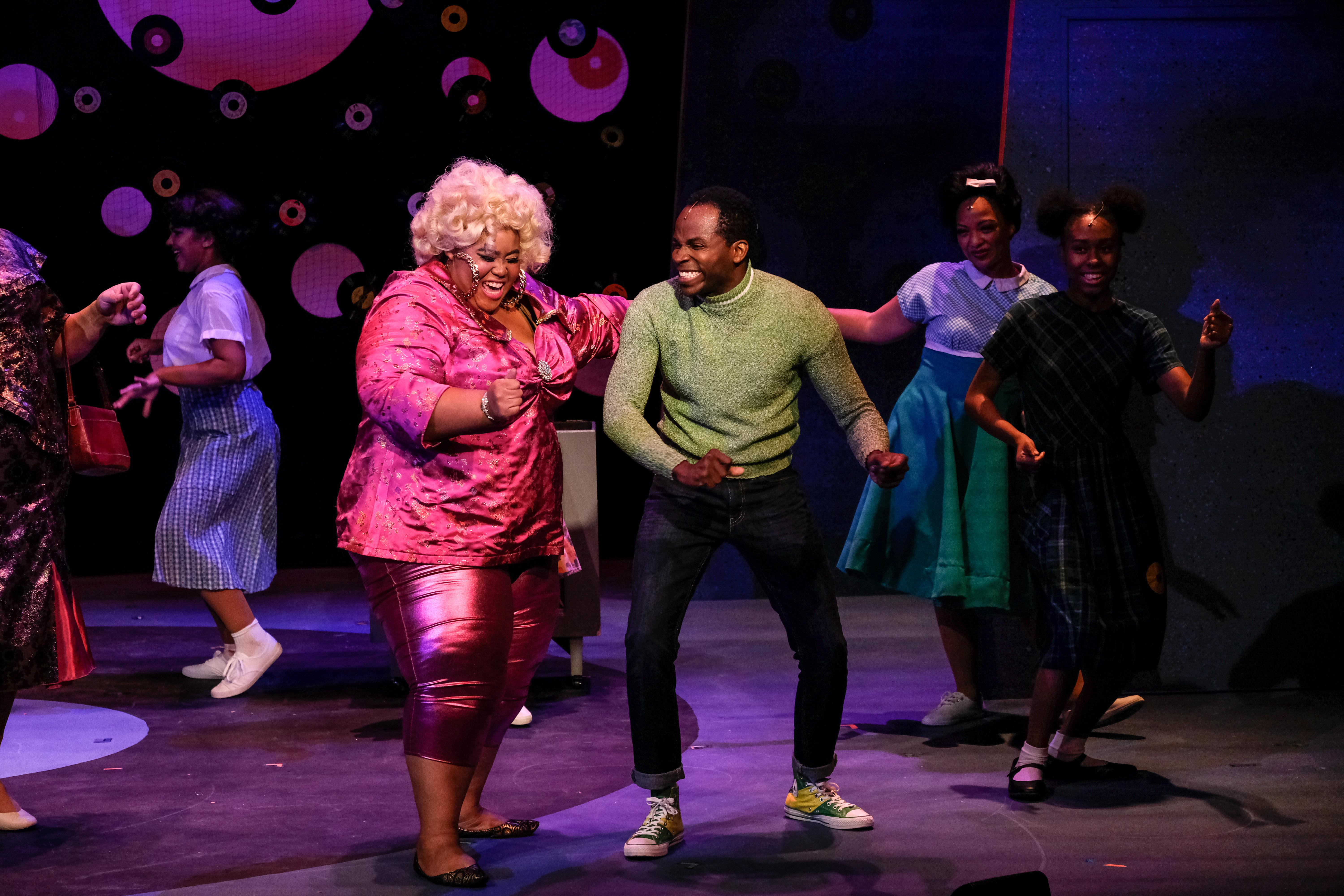 Eboni Muse as Motormouth Maybelle & Kenneth Mosely as Seaweed