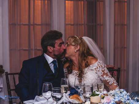 Beekman Arms & Delemeter Inn Wedding :: NJ/NY Wedding Photographer :: Denise and Paul