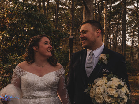 Toms River Clarion Hotel Wedding :: NJ Wedding Photographer :: Erin and Jonathan