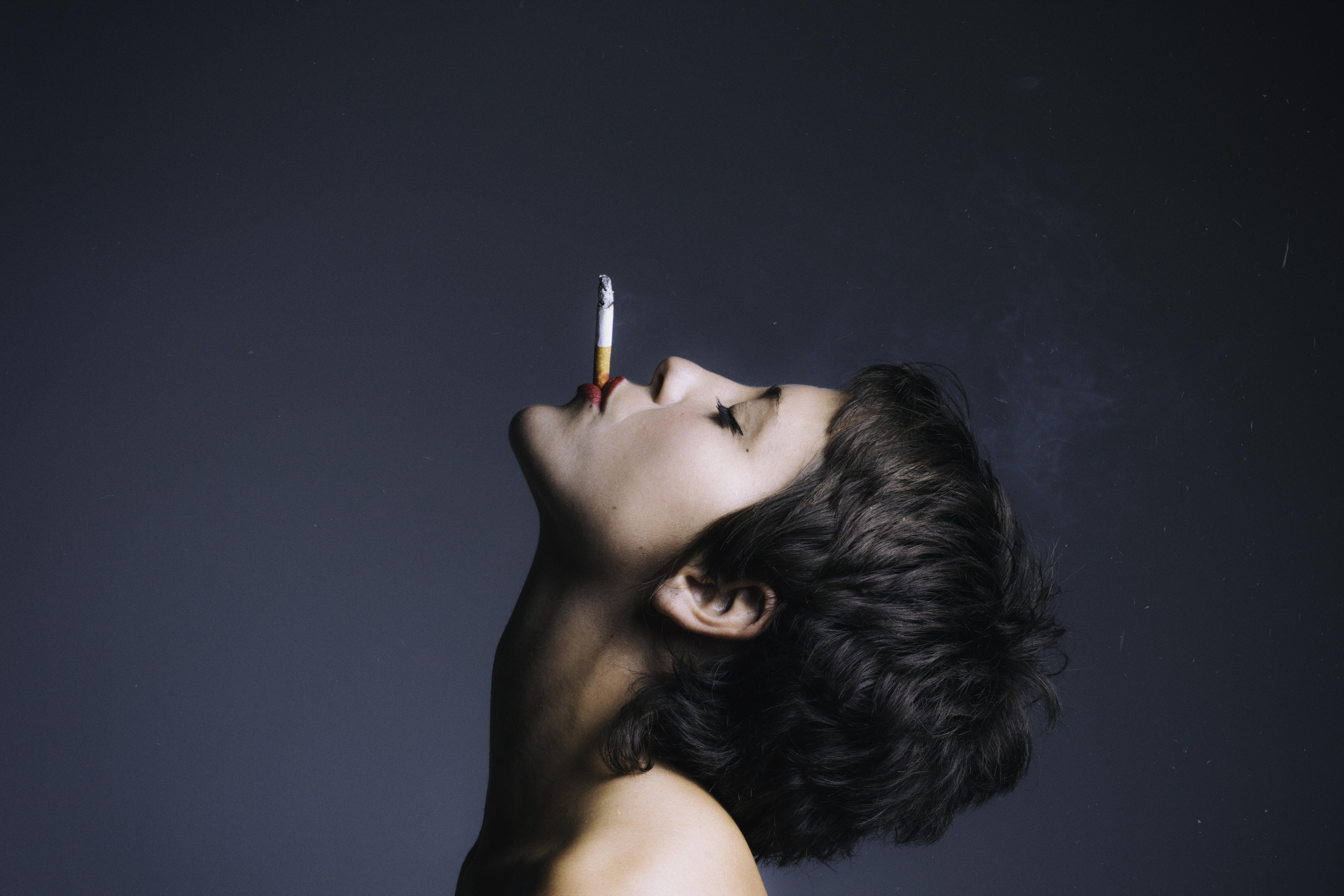 Smoke, con África de la Cruz