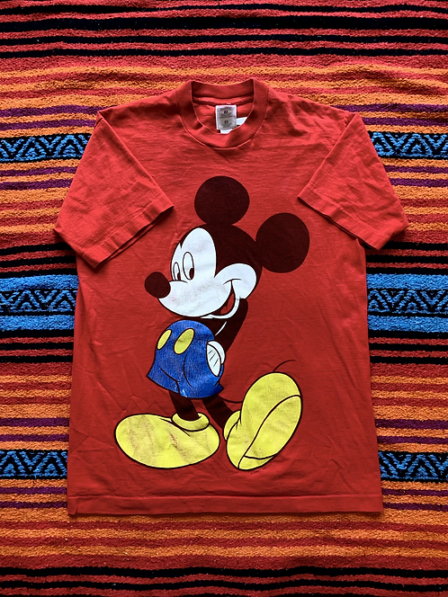 Vintage Mickey Mouse red t-shirt size medium