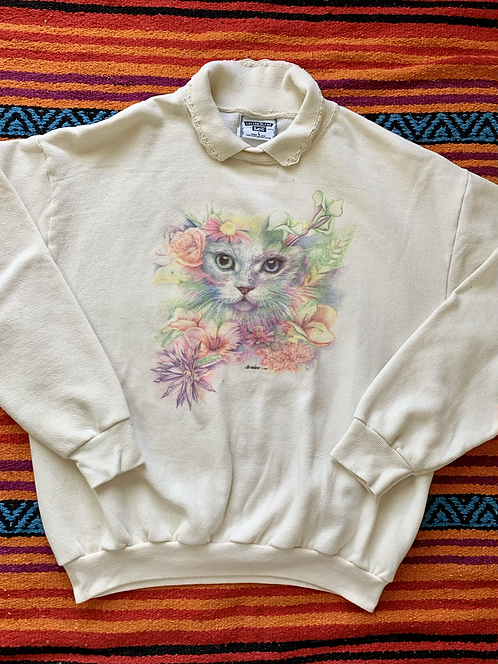 Vintage 1993 cat and flowers sweatshirt with lace collar size large/XL
