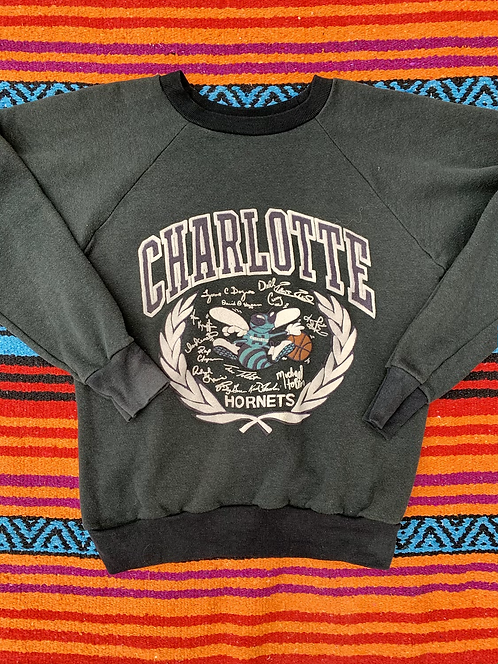 Vintage Charlotte Hornets crewneck size small