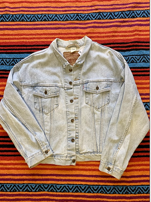 Vintage Levi's light wash denim jacket size XL