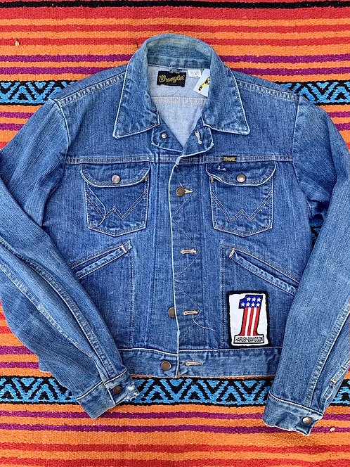 Vintage Wrangler denim jacket with patches size Small
