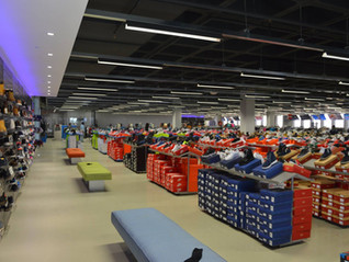 This Is United Fashion Outlets - Clothing MEGASTORE!