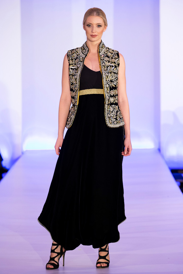 Arabia_Art_And_Fashion Show_Catwalk_72dp