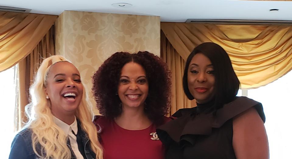 Jewel, Nicole Roberts & Michelle Kramer (Mom of Surviving R. Kelly)
