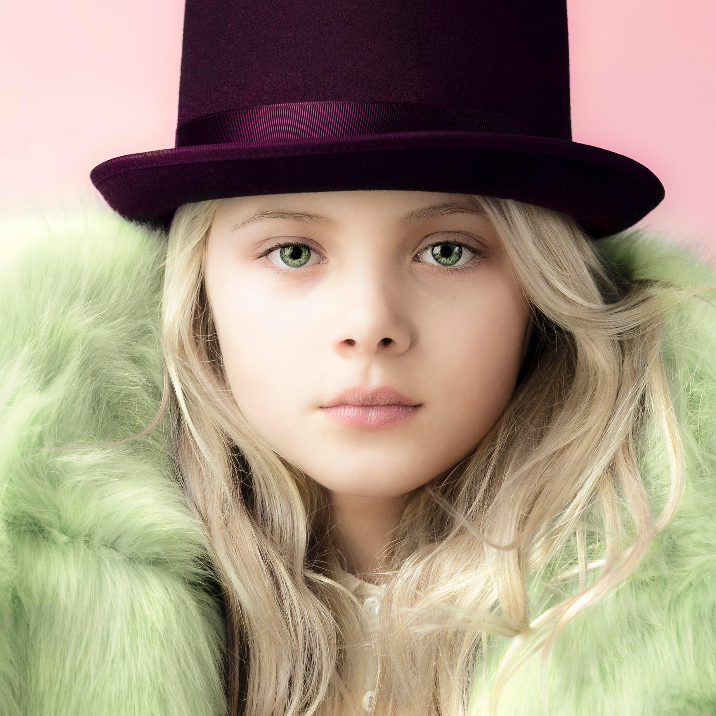 Ljusare flicka i hatt-1.jpg