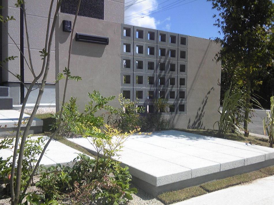 空洞ブロックが高級感を演出 シンプル外構 久留米市