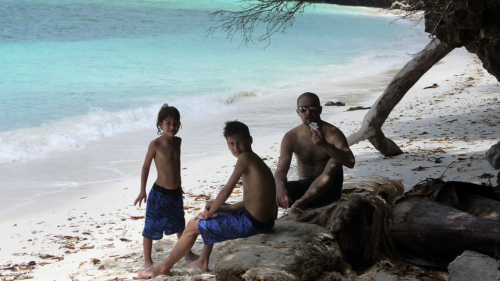 maratua guesthouse derawan archipelago kalimantan