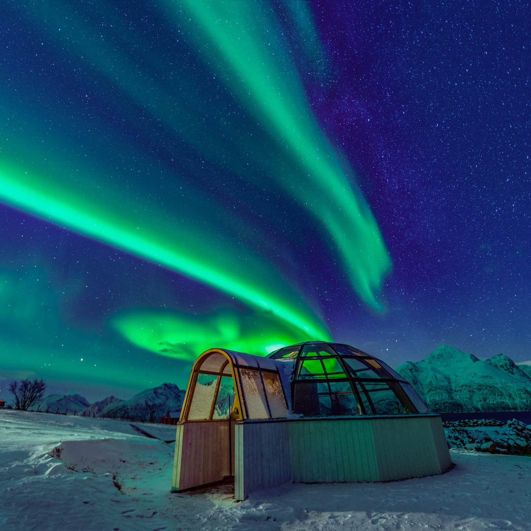 glass-igloo-aurora.jpg