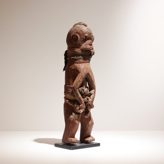 Statue Chamba Nigeria H: Bois et tissu Plus d'informations sur demande / More information on request