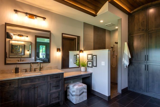 Modern Ranch Owner's Bath