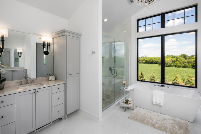 Woodlane Alcove Artisan Owner's Bath
