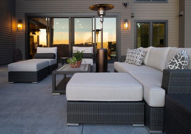 Modern Ranch Deck
