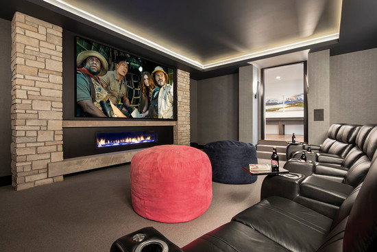 Bohns Point Theater Room