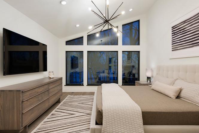 Peninsula Point - Master Bedroom