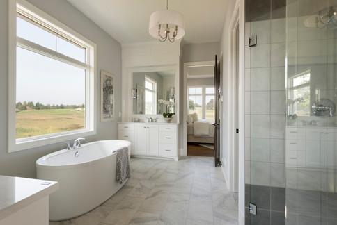 Royal Club Rambler Master Bathroom