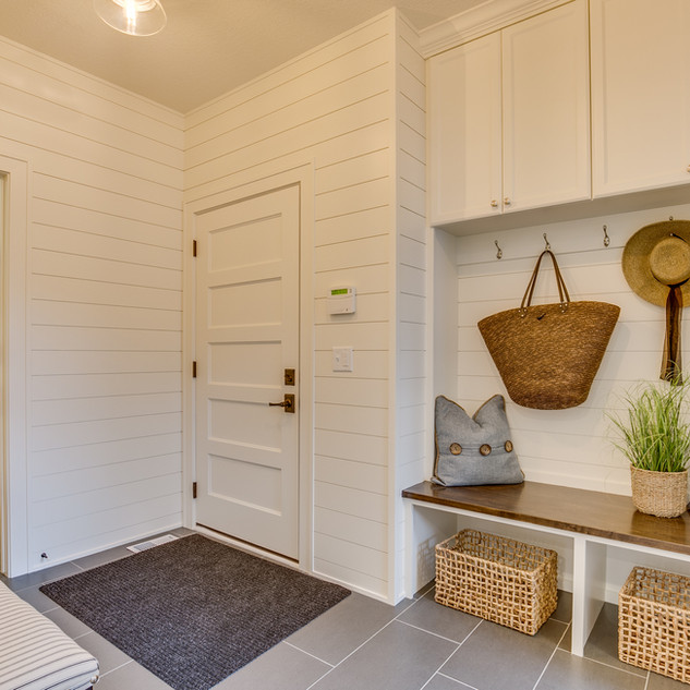Shady Beach Trail - Mudroom