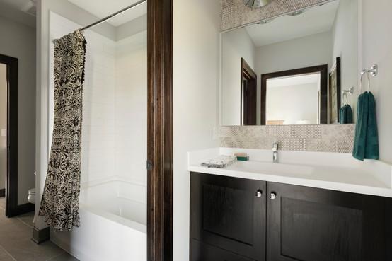 Royal Club Rambler Bathroom