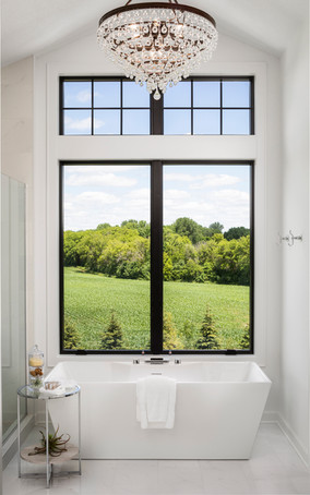Woodlane Alcove Artisan Owner's Bathroom Tub