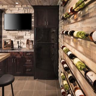 LaSalle Avenue - Lower Level Bar
