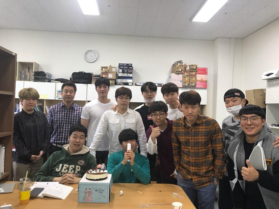 홍동기 학생, 최성호 학생 생일 기념