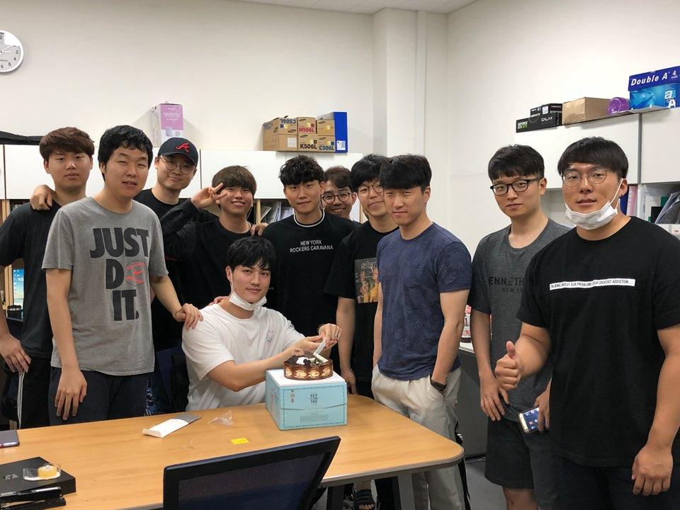 유석근학생 생일파티