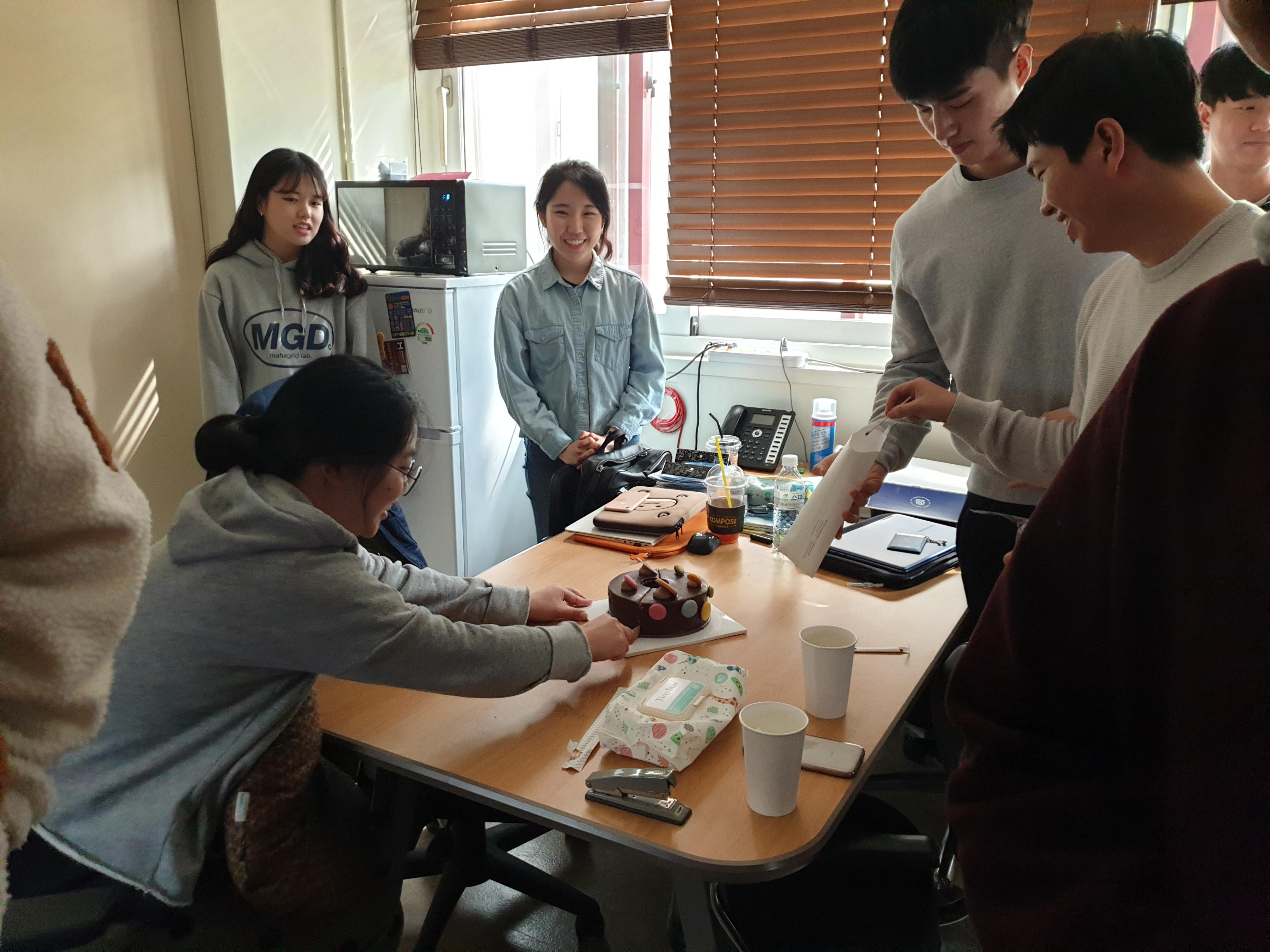 이정인 박사 생일