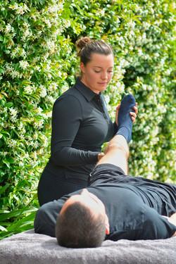 Bowen technique practice on legs