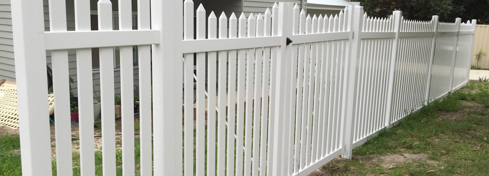 PVC 1.8 Fence