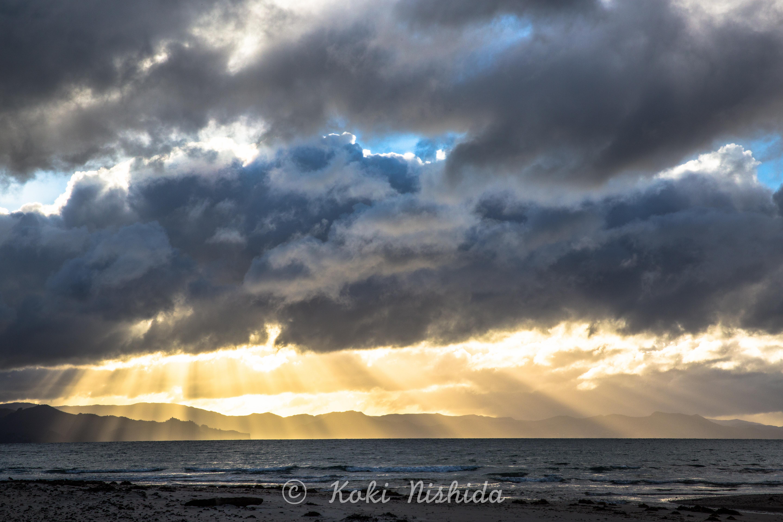 Lights Shaft (Matarangi)