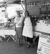 Babeth, « la reine du cassoulet bigouden » propose sourire et produits de qualité à ses clients. la Ferme De Kérautret Tréméoc