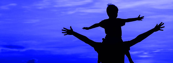 father-and-son-on-sunset-beach-3_5b2be45