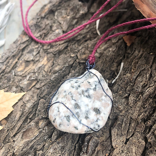 Medium Earth Stone (White with Mixed Speckled/Midnight Blue)