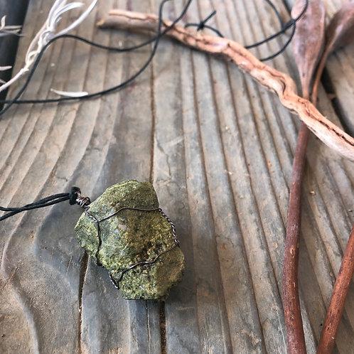 Medium Earth Stone (Earthy Greens, Speckled Quartz)