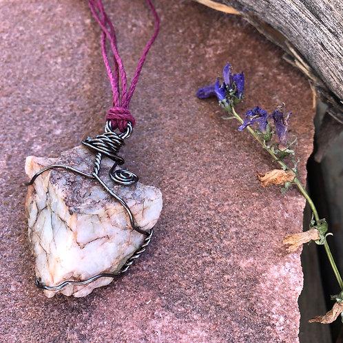 Medium Earth Stone (Strong veins, quartz, blue/red/purple tones)