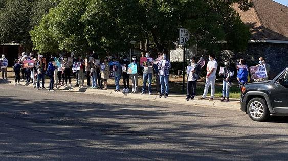 Protestors (Kate Porter:CBS7 Photo).jpg