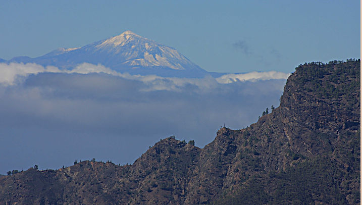 Mount Teide on Tenerife, with Gran Canaria in the foreground
