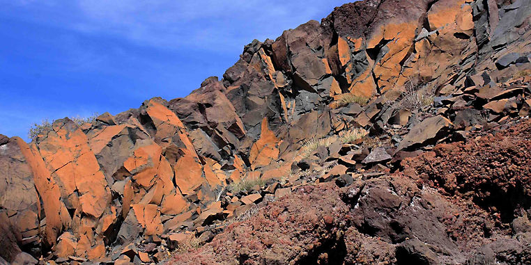 Gran Canaria iron stained rocks