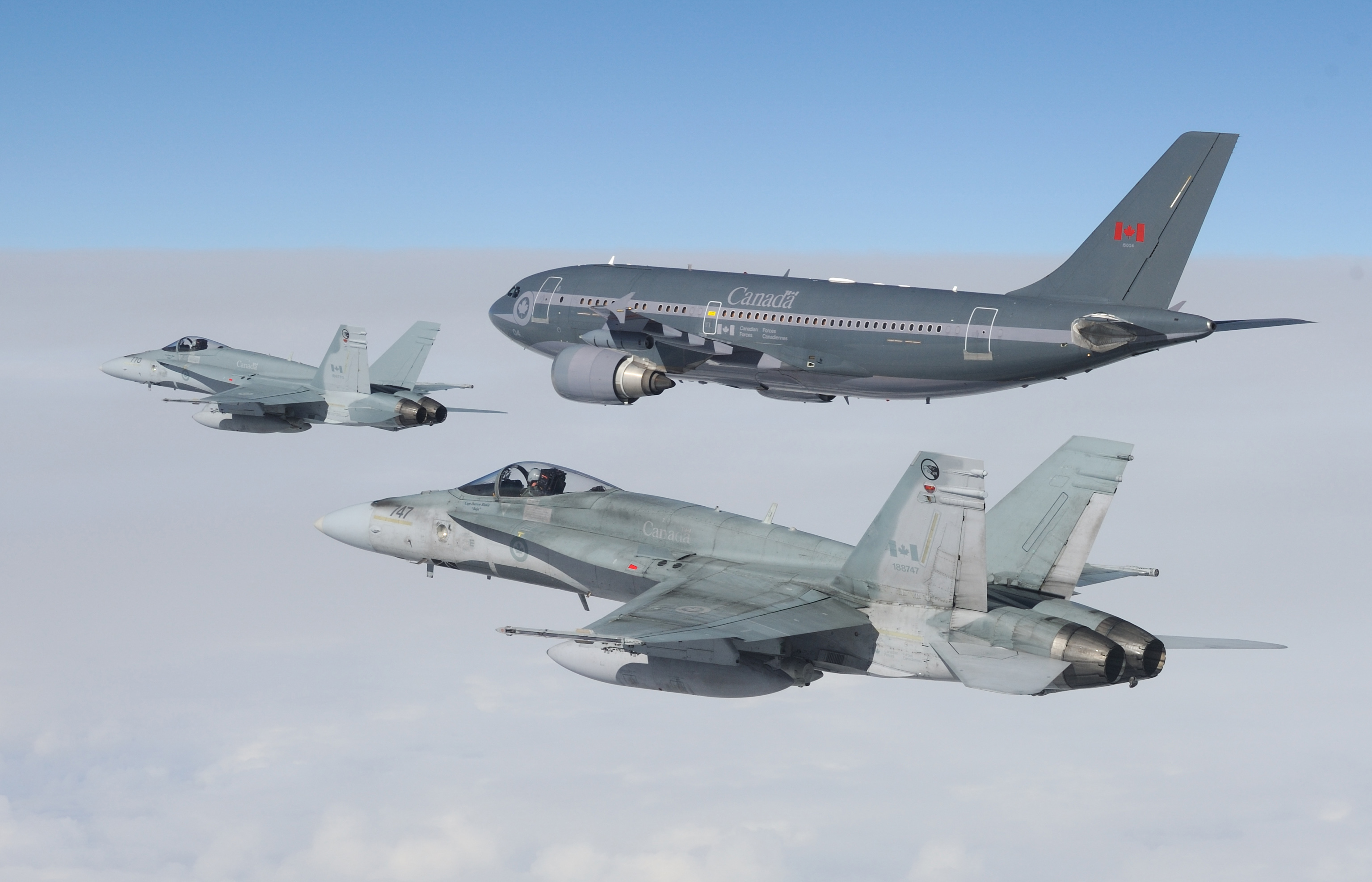 2f18s and jet.jpg