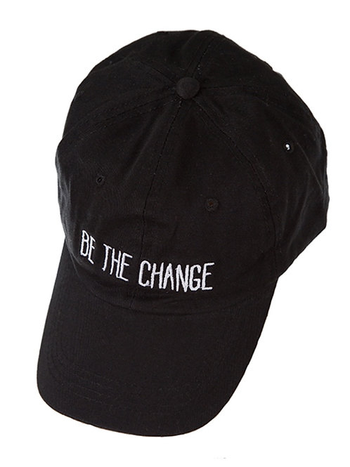 Baseball hat in black w/ adjustable ponytail hole