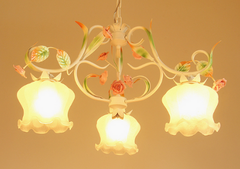 Shabby Chic Lamp (PO152)