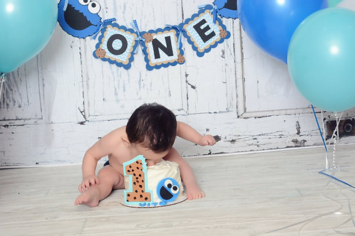 Cookie Monster highchair and name banners