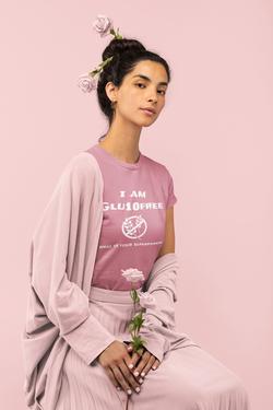 monochromatic-t-shirt-of-a-woman-holding