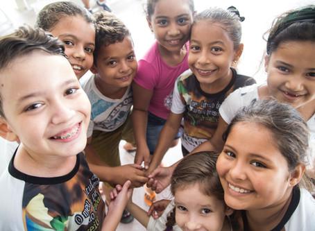 Famílias apoiam famílias no sertão paraibano.